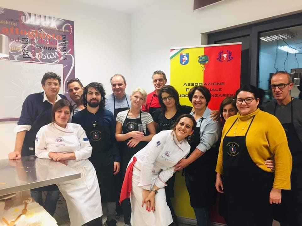 A_scuola_di_cucina_con_l'APC.Cz11