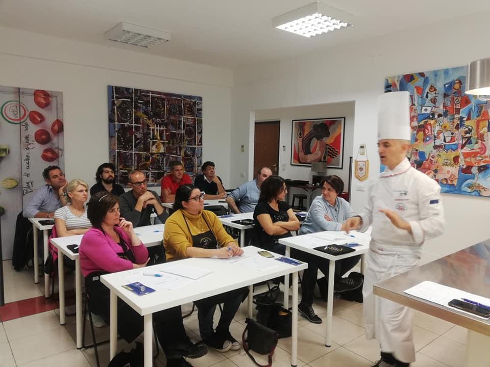 A_scuola_di_cucina_con_l'APC.Cz12
