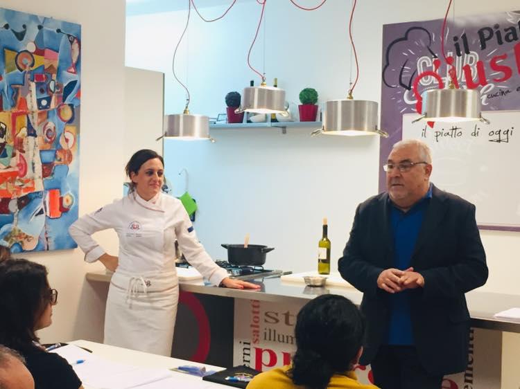A_scuola_di_cucina_con_l'APC.Cz23